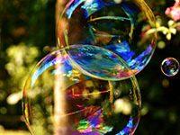 Fotografía de pompas de jabón. Burbujas de jabón.